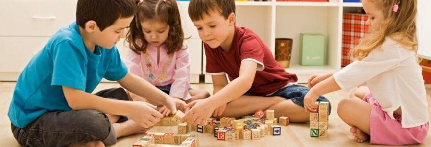 Développement cognitif et sensoriel de l'enfant : les avantages de la méthode pédagogique Montessori